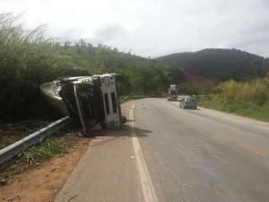 Acidente foi no km 107 da BR-262.