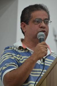 Presidente do SINTRAM na leitura da resposta enviada pelo Executivo às reivindicações dos servidores.