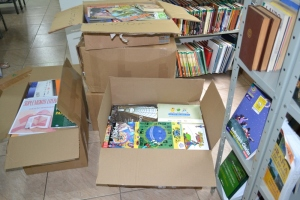 Biblioeteca receberá novos livros de autores que atualmente são apontados como referência para variados tipos de trabalho no universo escolar