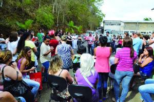 Servidores da Saúde se reuniram nesta segunda-feira para falar sobre o Decreto e definiram uma mobilização na Câmara Municipal.