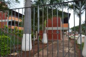 Escola no bairro Engenho da Serra foi vitima da ação de vândalos nesta segunda-feira (24).