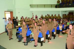 19 militares formaram no Curso Especial de Sargentos.