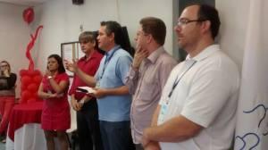 Prefeito Nailton Heringer,  coordenador do Hemominas e secretário de comunicação estiveram na homenagem ao doador  Rondinelle Amorim