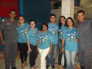 Equipe dos correios em parceria com os Bombeiros fizeram a alegria das crianças.