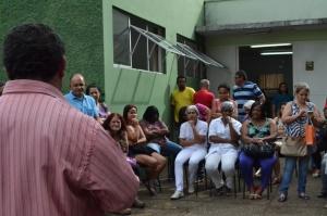 Atentos servidores escutam a situação da carga horária e indicam ações a serem tomadas: eles querem a carga horária legitima, aponta Jaiminho.