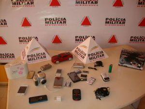 Celulares, Câmeras, pen-drives foram alguns dos objetos furtados, além de dinheiro e cheques.