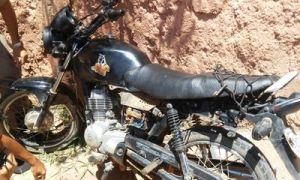 Motocicleta Honda apreendida no bairro Nossa Senhora Aparecida