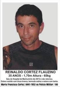 – Cartazes de Reinaldo Cortez Flauzino, de 35 anos, foram espalhados por Manhumirim e região.