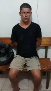 Luiz Fernando Souza Temporim, de 32 anos, foi preso enquanto tentava fugir pelo telhado da loja.