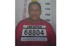Izac Batista da Silva, de 36 anos, foi apontado como o líder da quadrilha; ele está foragido.