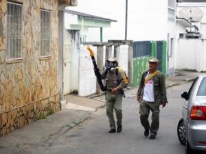 Vigilância Ambiental intensifica as ações de combate à dengue, por meio de mutirões realizados nos Bairros de Manhuaçu