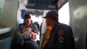 Bombeiros realizam parto em Unidade de Resgate; mãe e filho passam bem.