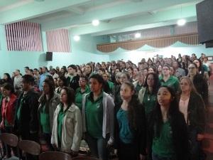 Expressiva participação de educadores, jovens e rep. de diversos segmentos sociais.
