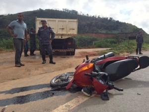 Motociclista fica gravemente ferido em acidente - foto capa