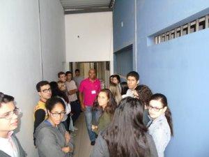 Após apresentação, alunos visitaram as dependências da APAC, incluindo local onde ficam os recuperandos.