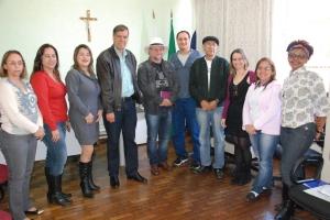 Durante reunião na manhã desta quinta-feira (23), realizada na sede da SRE Manhuaçu, um convênio foi assinado pelas autoridades presentes