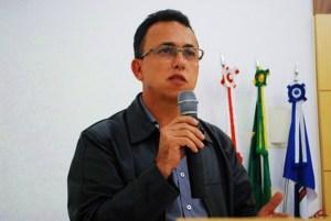 Secretário de Planejamento, Luiz Carlos Rhodes de Souza, falou sobre as alterações no trânsito de Manhuaçu durante a última reunião da Câmara