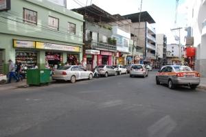 No trecho que compreende a Casa de Cultura até o Shopping, na Avenida Salime Nacif, no centro de Manhuaçu. No local, o que hoje tem sentido único, terá mão dupla em breve para um período de testes de 30 dias