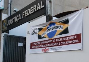 Agência de Manhuaçu possui apenas dois servidores trabalhando.