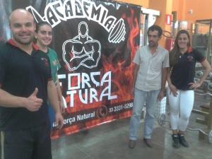 Diretores da Academia Força Natural de Manhuaçu, Simone (Personal) e Jardel (Diretor)