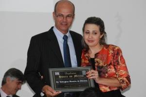 Welington Moreira de Oliveira, que assumiu a Delegacia Regional de Caratinga, foi homenageado