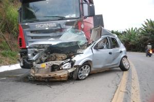 Jovem morre em grave acidente - foto capa 1