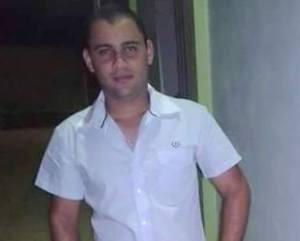 Um dos pilotos, Rodrigo Silva Vieira, de 23 anos, não resistiu aos ferimentos e morreu ainda no local