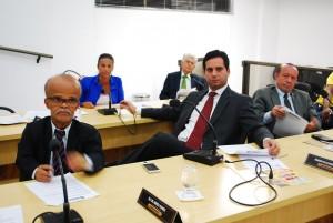 Durante a reunião, vereadores aprovaram outros projetos de lei e de resolução