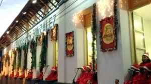 As crianças cantoras interpretaram clássicos universais em homenagem ao nascimento do Menino Jesus