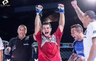 Atleta de Manhumirim vence primeira luta no MMA
