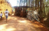 Caminhão tomba na serra de Imbiruçu