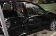 Acidente entre carros ocorre no Centro de Ipanema