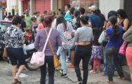 Black Friday atrai milhares de pessoas para o comercio de Manhuaçu
