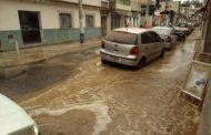 Rompimento de adutora compromete abastecimento de água em Manhuaçu