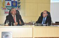 Câmara de Manhuaçu aprova projeto para contratação de servidores da educação e recebe visita de professores