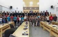 Câmara recebe visita de atletas, prestação de contas do Projeto Esporte Nota 10 e aprova projetos