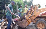 Prefeitura em Ação: limpeza geral nos bairros Nossa Senhora Aparecida e São Francisco de Assis