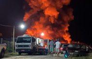 Pátio do Detran em Ipanema é tomado pelas chamas