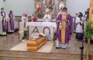 A despedida emocionante ao Padre Anderson em Simonésia