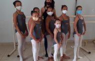 Projeto Mover leva a dança clássica a crianças de baixa renda em Manhuaçu