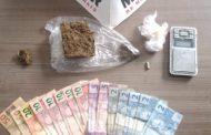 PM apreende menores, drogas e dinheiro nos bairros São Francisco de Assis e Santana