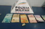 Dinheiro e crack recolhidos no bairro São Francisco de Assis
