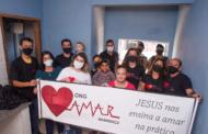 Voluntários da ONG Amar Manhuaçu concluem oitava casa